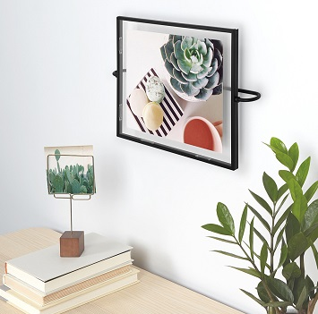 Picture Frames & Holders