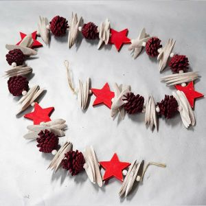 Xmas Garland with red star and cones