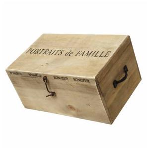 Wooden Portraits De Famille Box