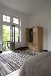 Oak Shadow dresser - 3 doors - 2 drawers